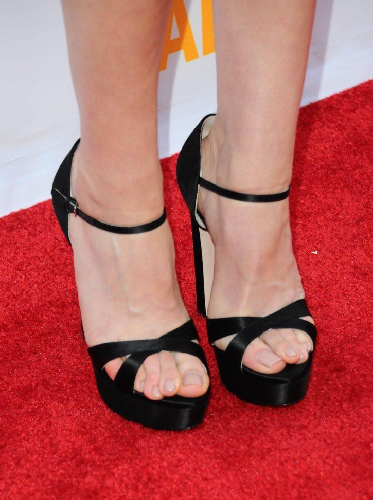 Aubrey Plaza's Feet ~ Celebrity Foot Gallery